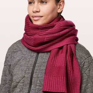 Lululemon Stamped With Love Scarf NWT Violet Red